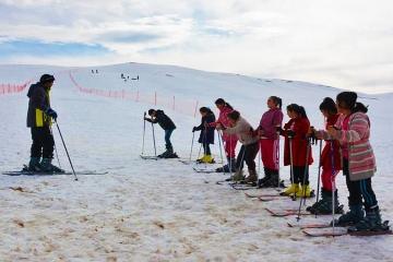 Ba__iftlik Kayak Merkezi'ne Yo_un _lgi Devam Ediyor